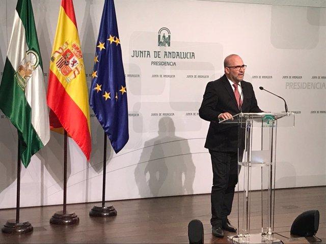 El presidente de CSIF-A, José Luis Heredia, en San Telmo este lunes
