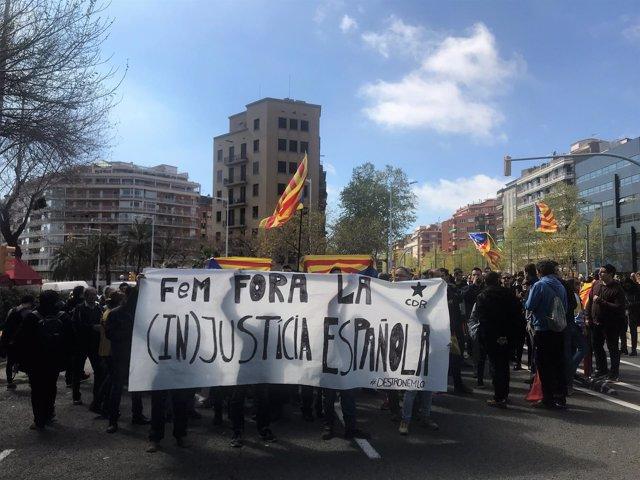 Protesta por la entrega de despachos a jueces en Barcelona, presidida por el Rey