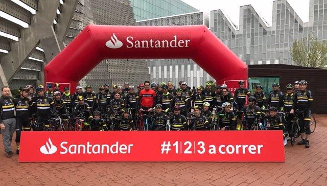 Indurain en un acto de Banco Santander