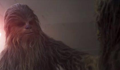 Han Solo: ¿Quién es el Wookie al que abraza Chewbacca en el nuevo tráiler?