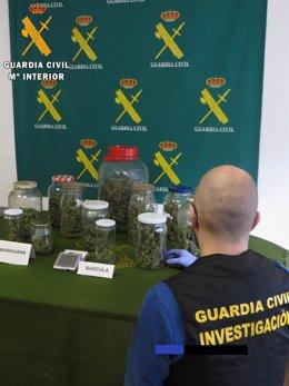 Tarros De Marihuana Incautados En La Vivienda 9-4-2018