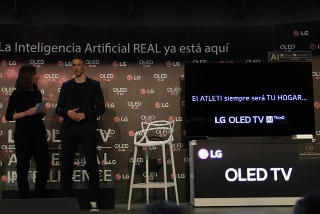 Fernando Torres durante un acto publicitario
