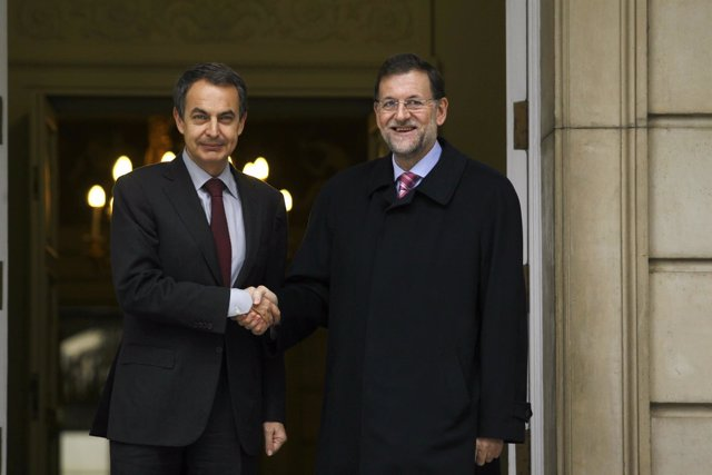 Zapatero Recibe A Rajoy En La Moncloa