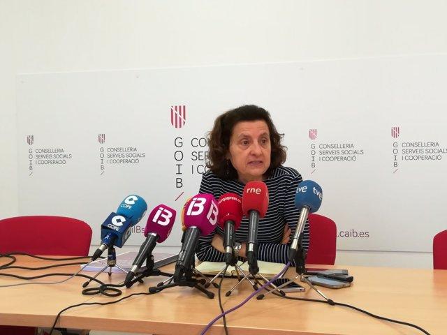 Consellera de Servicios Sociales y Cooperación, Fina Santiago