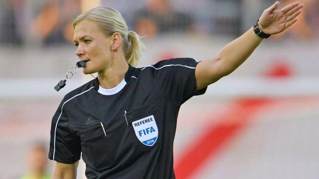 Bibiana Steinhaus, primera mujer árbitro de la Bundesliga