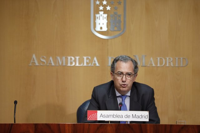 Rueda de prensa del portavoz del PP en la Asamblea de Madrid, Enrique Ossorio