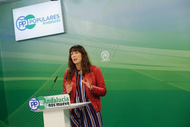 La secretaria del PP-A, Loles López, en rueda de prensa este viernes