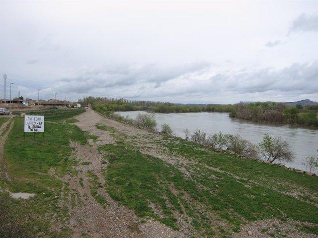 El río Ebro a su paso por Novillas