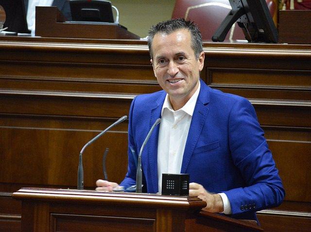 El portavoz del Grupo Nacionalista Canario, José Miguel Ruano
