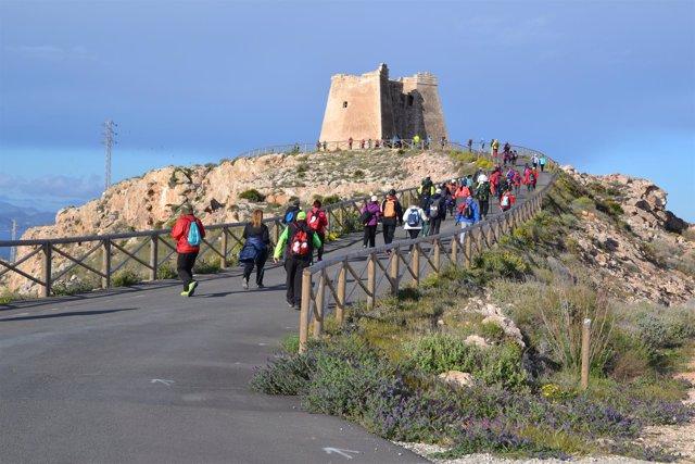 En el sendero de Carboneras, han participado unos 65 senderistas.