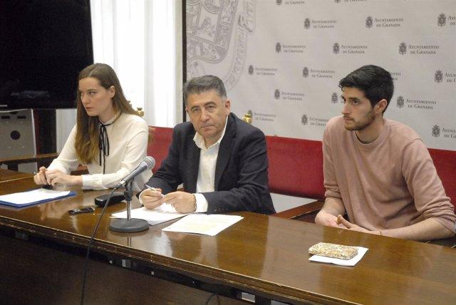 Rueda de prensa del Defensor del Ciudadano de Granada