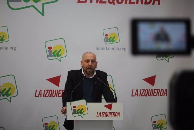 Ernesto Alba, este lunes, en rueda de prensa