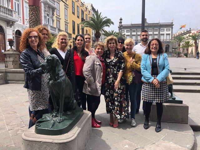 Presentan en Gran Canaria la Plataforma por la dignidad de los animales
