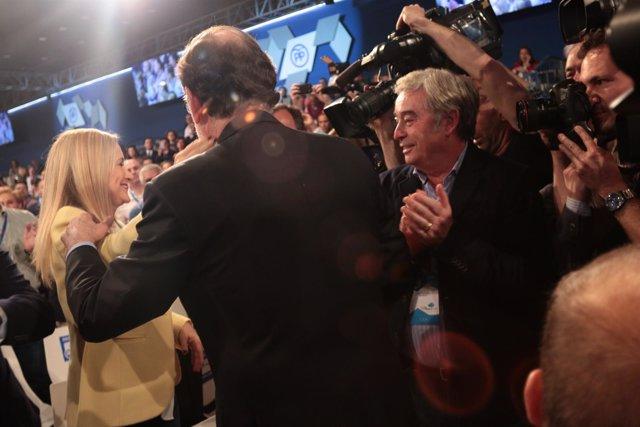 Cifuentes y Rajoy se saludan en la Convención Nacional del PP