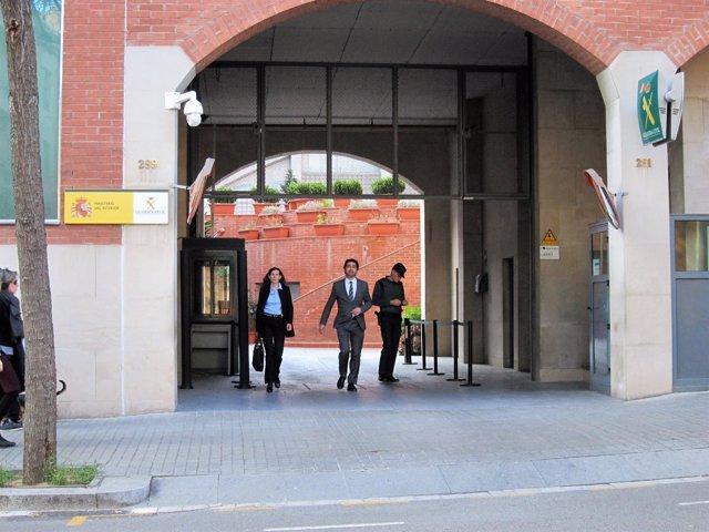 El secretario de Telecomunicaciones Jordi Puigneró y su abogada