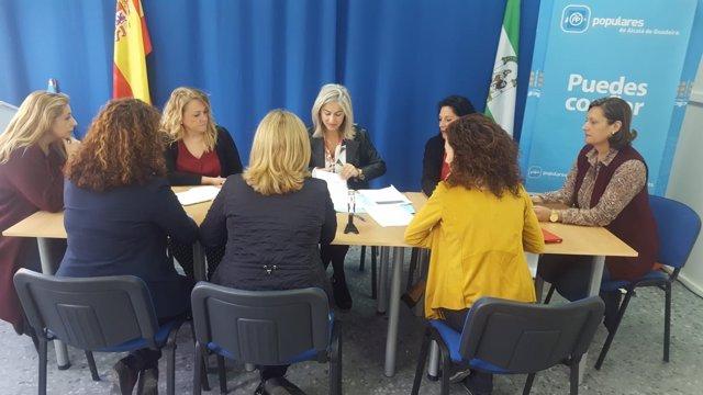 Diputada del PP Patricia del Pozo y presidenta del PP de Alcalá, Sandra González