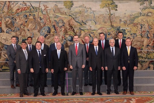 El Rey, con congresistas de EEUU en la Zarzuela