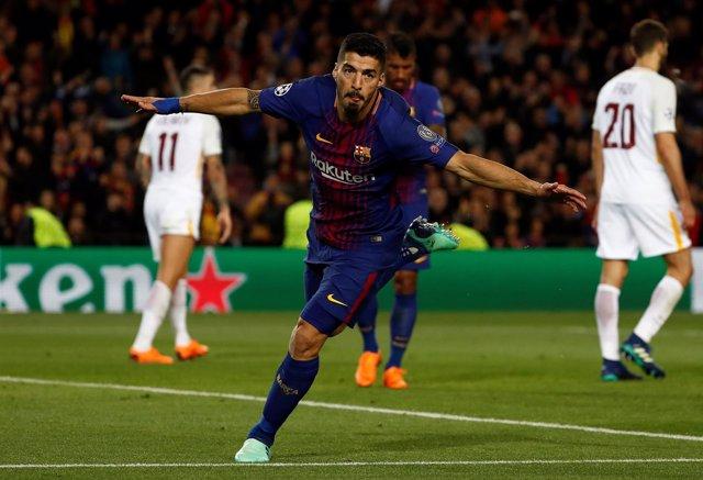 Luis Suárez celebra un gol ante la Roma