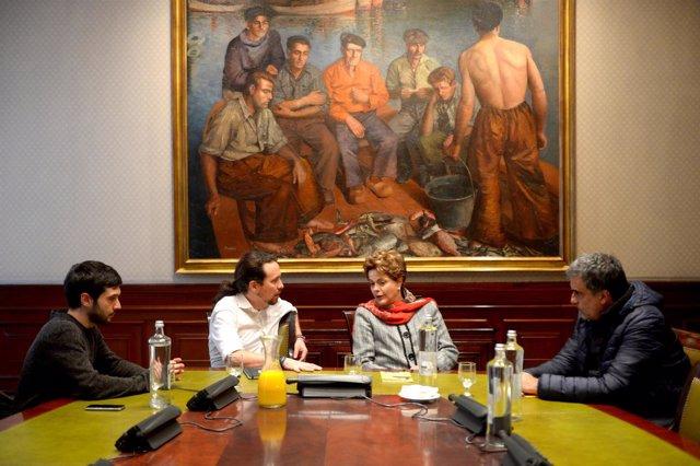 Representantes de Unidos Podemos reunidos con Dilma Rousseff