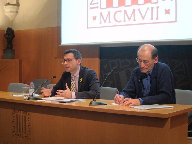 El director del CatSalut David Elvira en una conferencia en el IEC