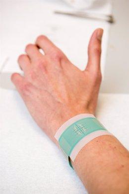Parche para medir la glucosa en sangre sin perforar la piel