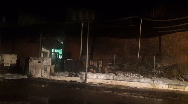 Incendio en una empresa de Rafelbunyol