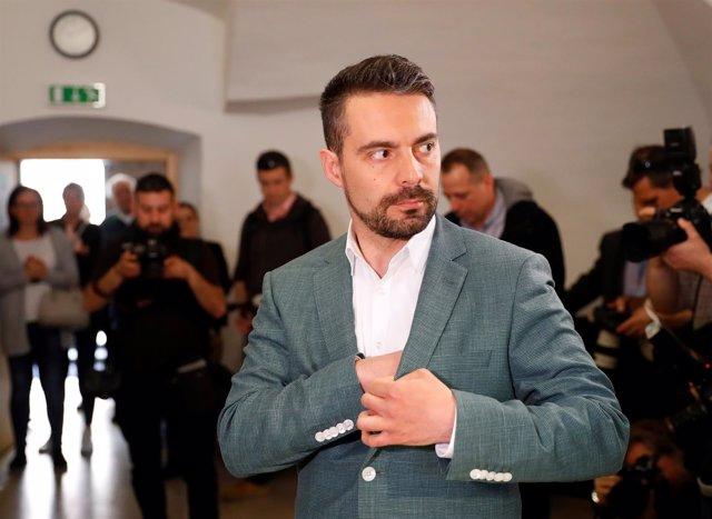 Gabor Vona en un colegio electoral el día de las elecciones parlamentarias