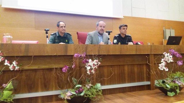 Algar (centro), en la inauguración del curso
