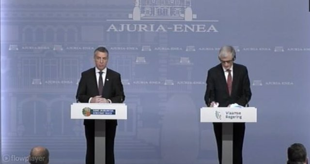 Urkullu junto al presidente de Flandes, en rueda de prensa