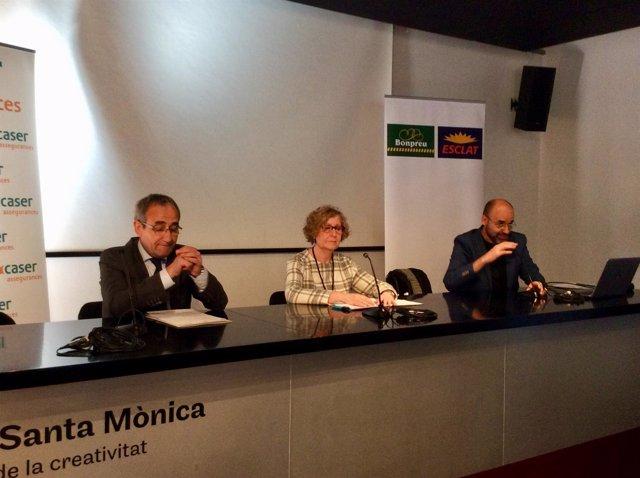 P.Tixis (Cambra del Llibre), M.C.Ferrer y M.Marín (Gremi Llibreters)