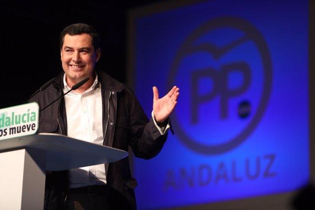 El presidente del PP-A, Juanma Moreno, interviene en un acto en Marbella
