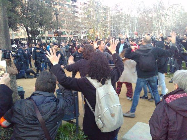 Manifestantes por la investidura de C.Puigdemont