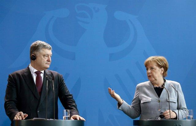 Petro Poroshenko y Angela Merkel