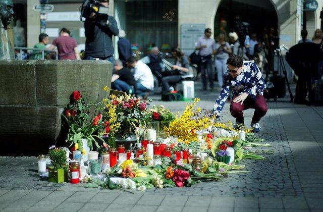 Flores como homenaje a las víctimas del ataque de Münster.