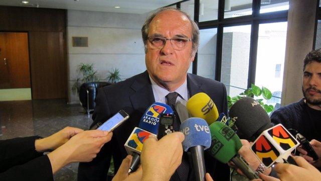El portavoz del PSOE en la Comunidad de Madrid, Ángel Gabilondo, en Zaragoza.