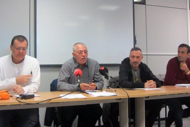 Representantes sindicales de la enseñanza en el Vallès (Barcelona)