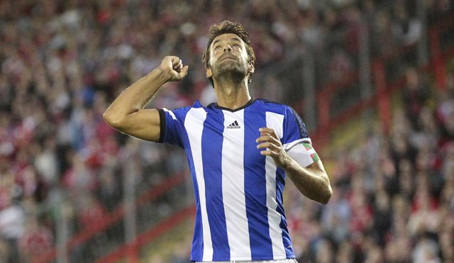Xabi Prieto celebra un gol