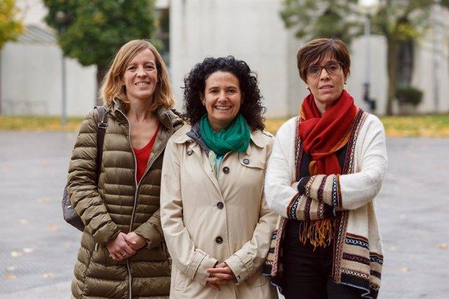Las profesoras María Jesús Campión, Elena Gil e Inmaculada Lizasoain.