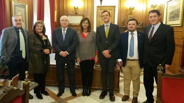 Delegación de Lucena junto al presidente melillense, Juan José Imbroda