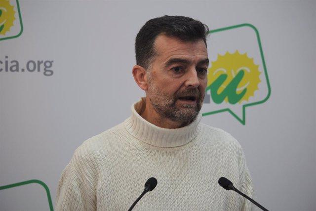 Maílla  en rueda de prensa en Sevilla
