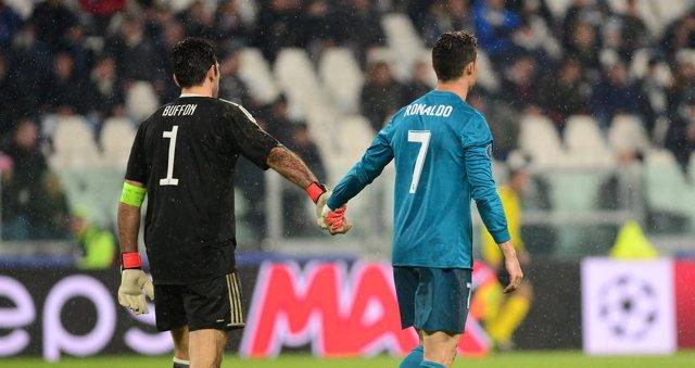 Buffon y Cristiano se despiden deportivamente tras el Juventus-Real Madrid