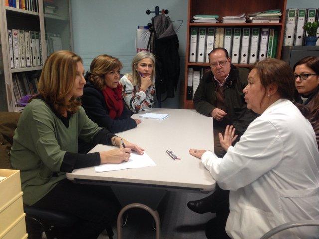 Reunión del PP con la dirección del centro de salud
