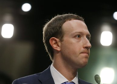 """Zuckerberg demana perdó per la filtració de dades de Facebook i assegura que """"va ser un error"""" (REUTERS / LEAH MILLIS)"""