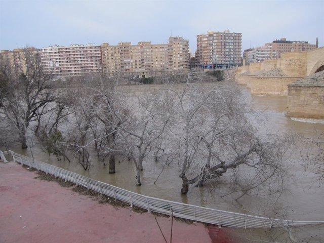 Avenida en el río Ebro