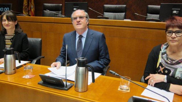 El exministro de Educación, Ángel Gabilondo, en Zaragoza.