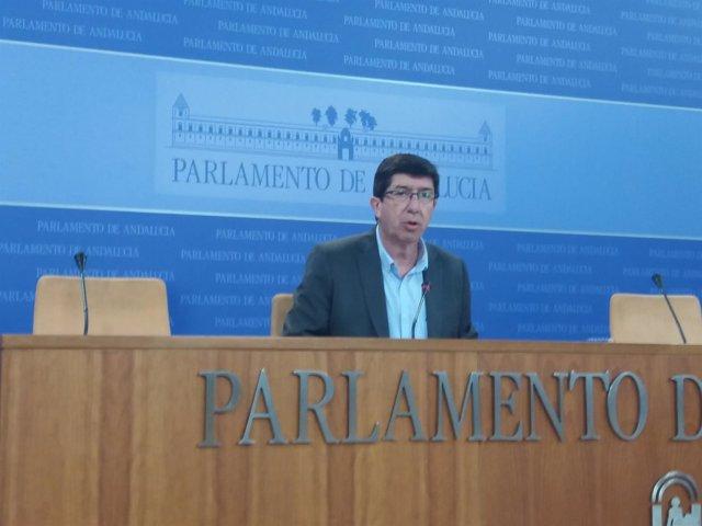 Juan Marín, en rueda de prensa en el Parlamento andaluz