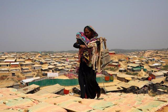 Una mujer rohingya en el campo de refugiados de Cox's Bazar.