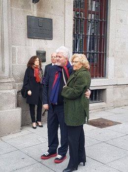 Carmena con Almodovar