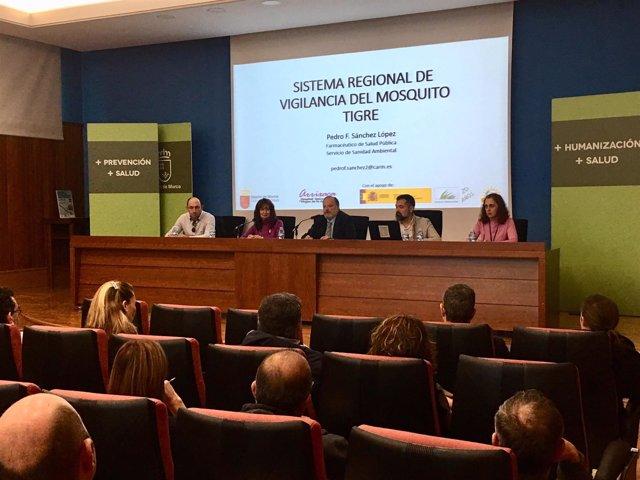 Foto/ Reunión Nuevo Sistema De Control De Mosquito Tigre