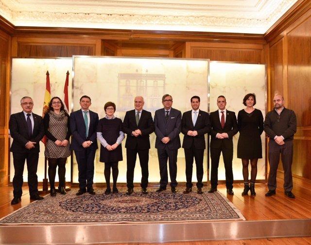 Ceniceros con alcaldes firmante convenios cabeceras de comarca